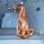 kate-upton-zero-gravity-6